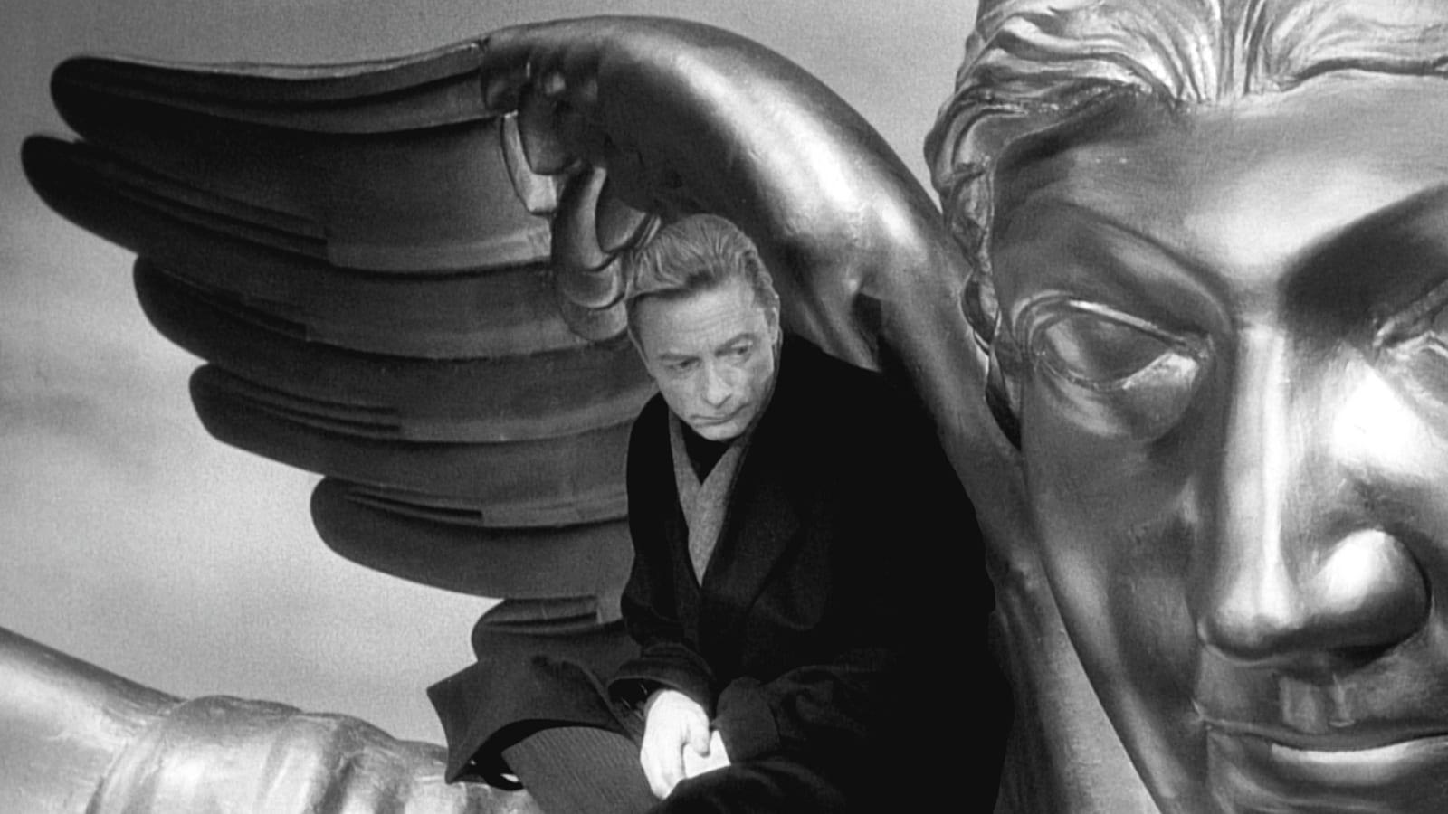 "Image from the movie ""Il cielo sopra Berlino"""